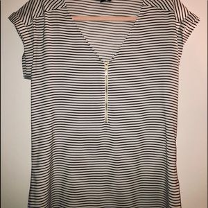Express black & white striped vneck top w gold zip